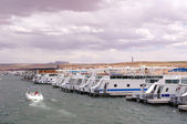 Pier for houseboats in Lake Powell — Stock Photo