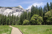 Wooden trail to Horsetail fall, Yosemite National Park — Stock Photo