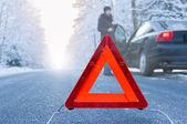 Winter driving - car breakdown — Stockfoto