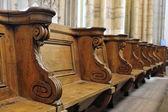 Träbänkar i domkyrkan — Stockfoto