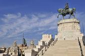 Victorian monument to Vittorio Emanuele II — Stock Photo