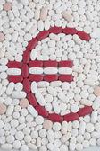 Piller med euro-symbolen — Stockfoto