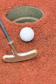 Playing minigolf — Photo
