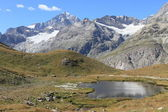 Montagne et lac au Cervin — Photo