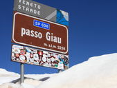 Signpost of Passo Giau  in Dolomites, Italy — Stock Photo