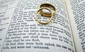Marriage Vows and Rings — Stock Photo