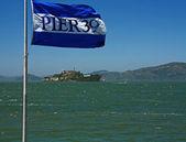 Alcatraz Island and Pier 39 Flag — Stock Photo