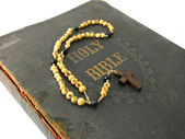 Rosary and Bible — Stock Photo