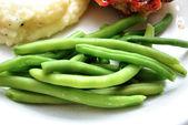 Frisch gekochte grüne Bohnen als Beilage — Stockfoto