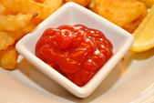 Condiment of Catsup in a White Square Bowl — Stock Photo