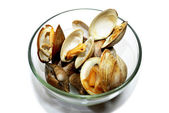 Glass Bowl with Cooked Clams — Stock Photo