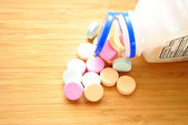 Antacids on a Wooden Table — Stock Photo