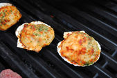 Grilling Summertime Stuffed Clam Shells — Stock Photo