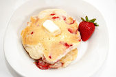 Strawberry Pancakes Served on a Plate — Foto Stock