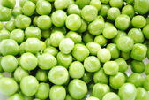 Organic Fresh Green Peas for a Nutritious Background — Stock Photo