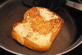 French Toast Cooked in a Black Fry Pan — Stockfoto