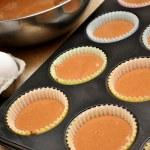 Making Homemade Chocolate Cupcakes — Stock Photo #51337391