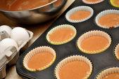 Making Homemade Chocolate Cupcakes — Stock Photo