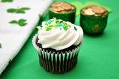 Chocolate Cupcakes with Irish Decorations — Stock Photo