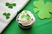 Chocolate Irish Cupcakes — Stock Photo