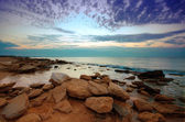 Beautiful stone seaside before sunrise — Stock Photo