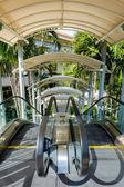 Odkryty schodów ruchomych — Zdjęcie stockowe