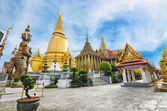Wat Phra Kaew Temple of the Emerald Buddha — Stock Photo