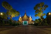Two statue giant at churches Wat Arun, Bankok Thailand — Stock Photo