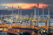 Landscape of Oil refinery at dramatic twilight — Stock Photo