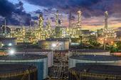 Oil refinery at twilight — Stock Photo