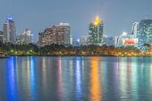 Commercial building in Bangkok twilight — Stockfoto