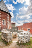 Tower and walls with arch on a restored and rebuilt Medvedgrad c — Stock Photo
