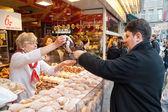ZAGREB, CROATIA - JUNE 2, 2012: Unidentified girls ordering bake — Stock Photo