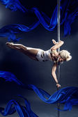 Pole dance — Stock Photo