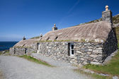 Two traditional blackhouses at Gearrannan Village, Isle of Lewis — Stock Photo