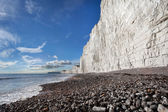 Birling Gap beach and Seven Sisters white cliffs — Stock Photo