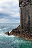 Isle of Staffa basalt columns by the sea — Stock Photo