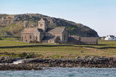 Iona abbey from the sea — Stock Photo