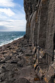 Basalt columns by the sea on the isle of Staffa, Scotland — Stock Photo