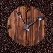 Clock made of coffee — Stock Photo