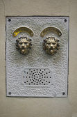 Antique Stone Door Bell Intercom in Venice — Stockfoto