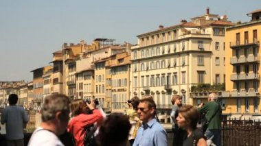 Tourists walking in historic centre of Florence — Stockvideo