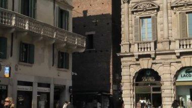 Torre del Gardello in Verona — Stockvideo