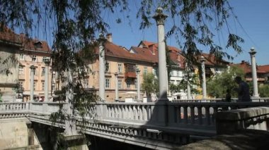 Cobblers' Bridge, Ljubljana — Vídeo de stock