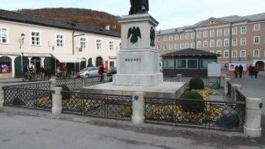 ザルツブルクのモーツァルト記念碑 — ストックビデオ