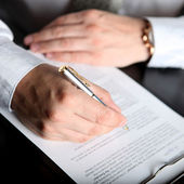 Signing finance contract — Stock Photo