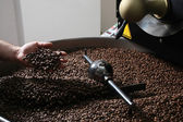 Close-up view of roasted coffee beans — Stock Photo