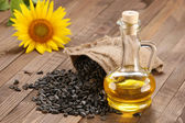 Sunflower oil, seed and sunflower  — Foto de Stock
