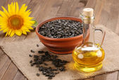 Sunflower oil, seed and sunflower  — Stock Photo