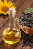 Sunflower oil, seed and sunflower  — Zdjęcie stockowe